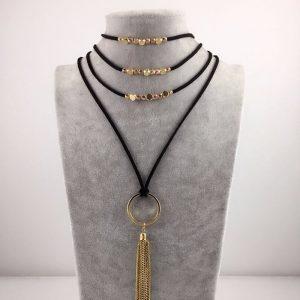Daugiasluoksnis gotikinio stiliaus kaklo papuošalas
