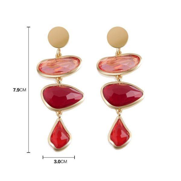 Išskirtinio dizaino, raudoni auskarai