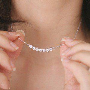 Mini žvaigždučių formos kaklo papuošalas su kristalais