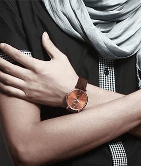 Laikrodis su odine apyranke
