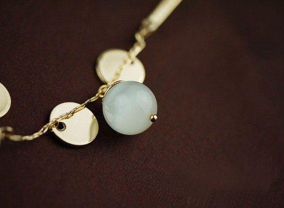 Elegantiškas kaklo papuošalas su Opalu