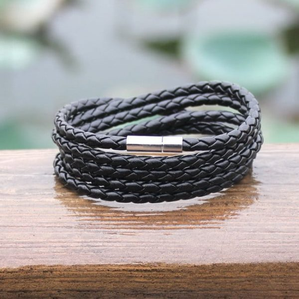 Odinė penkių sluoksnių virvės tipo vyriška apyrankė su metaliniu akcentu