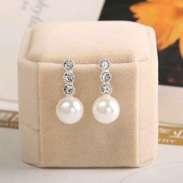 Puošnūs, perlų imitacijos auskarai