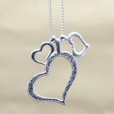 Kaklo papuošalas su širdelėmis