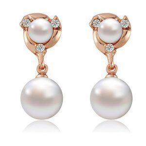 Klasikinio dizaino auskarai su perlo imitacija