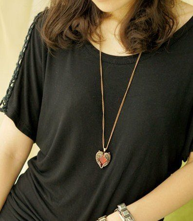 Kaklo papuošalas su krištoline širdele