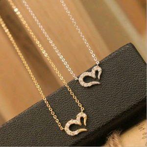 Širdelės formos, stilingas kaklo papuošalas