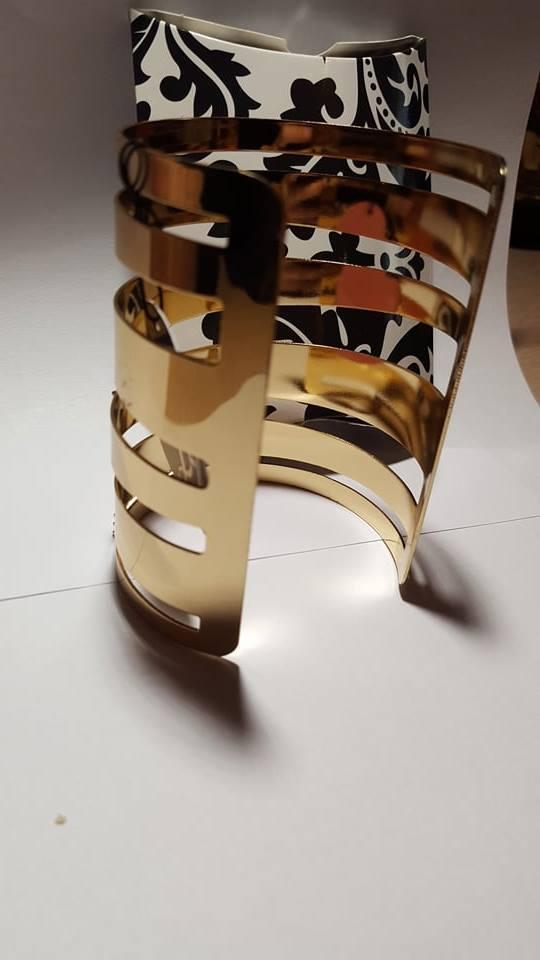Aukso spalvos, masyvi apyrankė